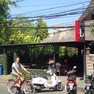 サヌール「The Porch Cafe」で朝ごはん♪