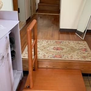 木製手すり付き玄関踏み台が届きました