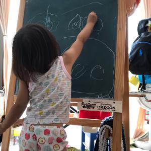 2歳半のお絵かき