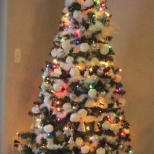 今日も色々あったけどクリスマスツリーに癒されよう