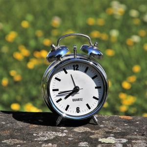 春の散歩と人生時計。私の人生は今、何時?