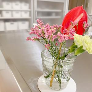 娘との時間を満喫する「お花のサブスク」って?
