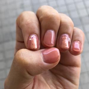 50代・指がきれいに見えるネイル