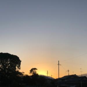 6時の朝日