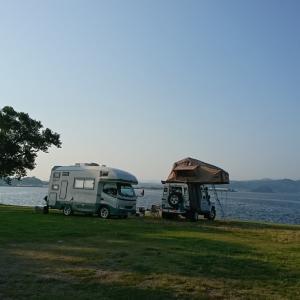 ルーフテントで湖畔キャンプ(-ω-)/