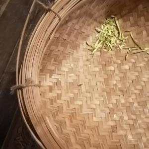 箕を修理する