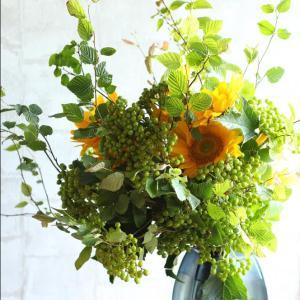 向日葵とコンパクタのグランブーケ