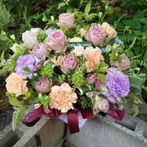 母の日の花贈りまだまだ続く