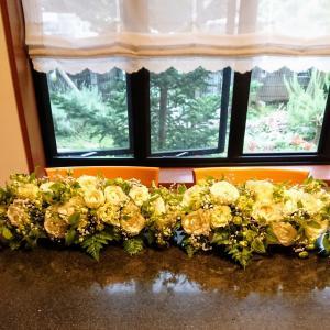 ウエディングテーブルの花