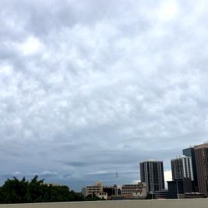 「り」シリーズの展開が楽しみ♪&ホノルルでは珍しい空の本日は…