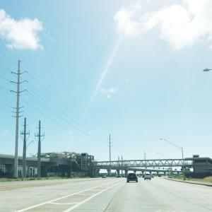 屋根が飛ぶ悪天候&ハワイの楽しみ方→映画館で楽しむ♪&勢いに乗っているカポレイの街