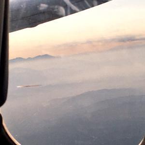 途中で降ろして~~…ロサンゼルスから次の空港へ&アメリカ北西部を上から見ると…&ホテルで