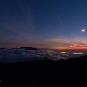 トムラウシ山からの夜景
