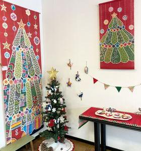 「紅型クリスマス」仕上がりました!《沖縄 紅型タペストリー》