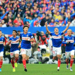 横浜Fマリノスが15年ぶりのJ1優勝!FC東京との直接対決を3-0で制す