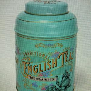モニターと100個の紅茶
