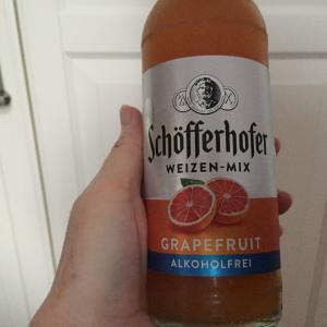 テニスの後のノンアルコールビール。Schöfferhofer