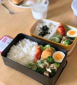 中学生とお弁当。
