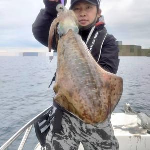 12月29日(火)Eフレンズ2号艇遠征便ティップランエギング釣果!