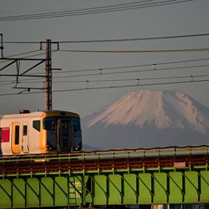 富士山と中央線臨時列車の送込回送 2019.11.10