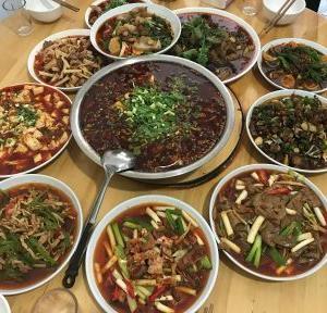 四川省栄県長山鎮 劉三餐館 中華料理