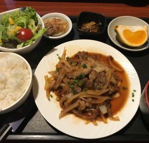 新高  日替わり定食B(豚肉生姜焼き)