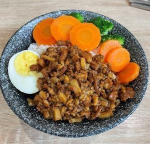 九品石 魯肉飯