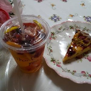 フルーツソーダ+イチゴのタルト。