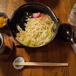 円山茶寮の煮込みうどん&いちご白玉ぜんざい。