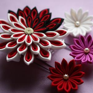 大輪の剣菊の髪飾り