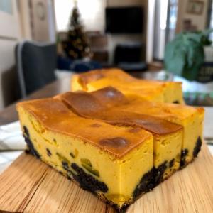 敷き詰めな〜い、裏ごさな〜い、カボチャとオレオのチーズケーキ