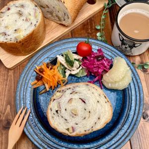 薩摩芋と黒胡麻のラウンドパン