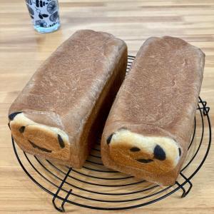 パンダ食パンでサンドイッチ