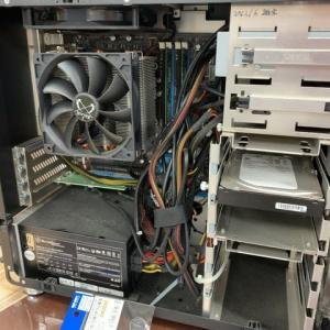 パソコンの修理は苦労する。。