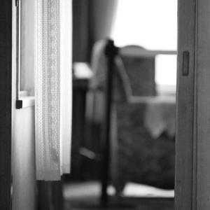 夜勤明けで居候させて貰ってる友人Aの実家のAの部屋でBとAと私とで雑魚寝していた