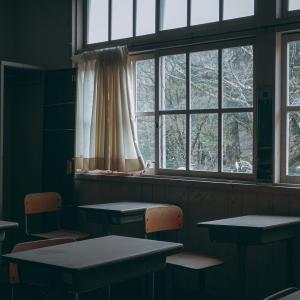 小6のある日、お腹が痛くてトイレが長引き5時間目の国語の授業に少し遅れた。