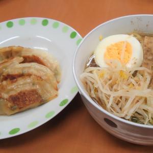 放デイ昼食作り2日目「ラーメン餃子」