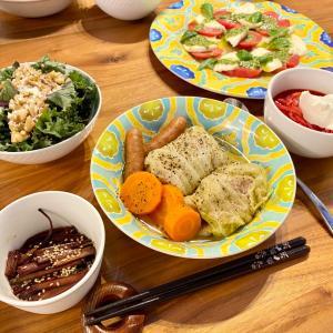 【最近のごはんまとめ】ケールとくるみのサラダとボルシチ、簡単肉まんetc...♡