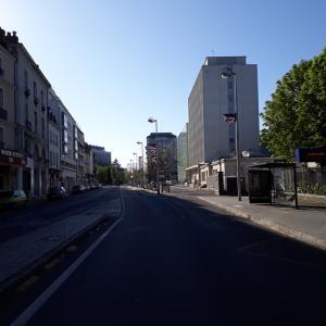 必見!外出禁止令中のフランス 無人の我が町トゥール!
