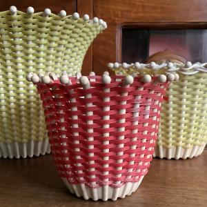 *brocante 70年代植木鉢カバー 白いボウルに食器などUP~