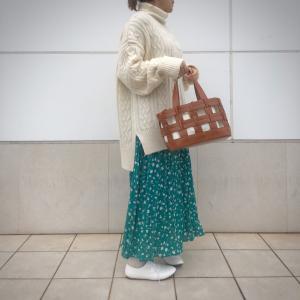 coordinate【GUのグリーンスカートがすごく可愛い】