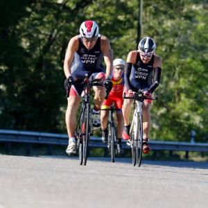 ITU主催トライアスロン世界選手権inスペイン・ポンテベドラ大会 / 過酷なスイム&バイク