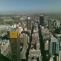 経営再建中の南アフリカ航空、国内・国際線の一部をキャンセル