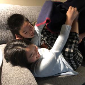 双子は6年生に。志村けん大好きでした。