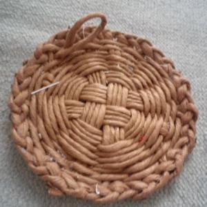 籠を編む 土台もキチンとすべきだったか?