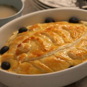 ジブリ飯2つ作ってみたよ。魔女の宅急便、ニシンとかぼちゃのパイがおいしかった!
