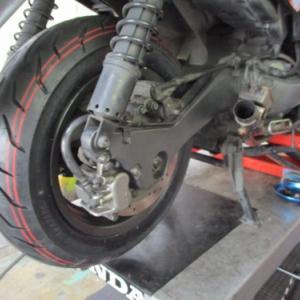 タイヤ交換時に油圧ブレーキ整備になることがある(車検にて)