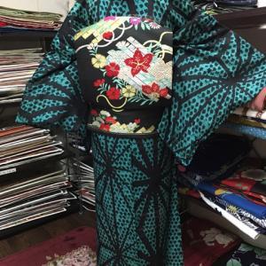 麻の葉模様の絽のアンティーク着物コーデ