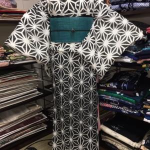人気の麻の葉模様の絽の着物