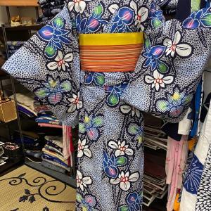 菖蒲模様にかのこ柄が絞りみたいな浴衣